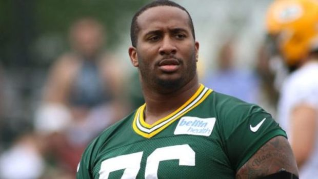 Mike Daniels released by Green Bay Packers after 7 NFL seasons